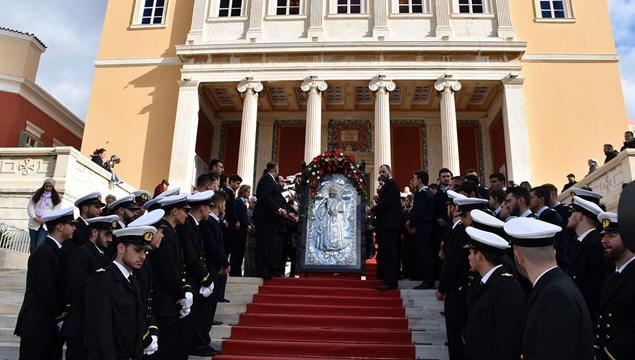 Μεγαλοπρεπής ο εορτασμός του πολιούχου της Σύρου, Αγίου Νικολάου