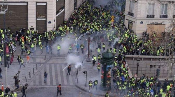 Η μαζική κινητοποίηση των «κίτρινων γιλέκων» σήμερα στο Παρίσι